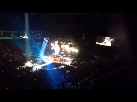 tim-mcgraw-city-lights-sundown-heaven-town-tour-2014-fresno-ca-at-savemart-center