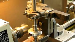 Cutting gears on a lathe with a fly cutter