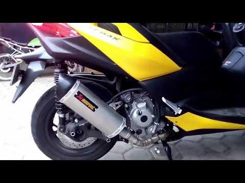 Yamaha Xmax 250 with Akrapovic Exhaust - YouTube