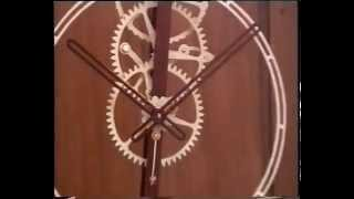 Wooden Oscillating Clock