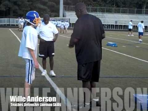 Willie Anderson Teaches Defensive Lineman Skills