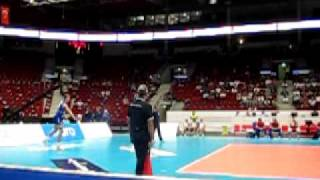 Volleyball servis - Dmitriy Muserskiy (slow motion video Canon ixus 100 HS )