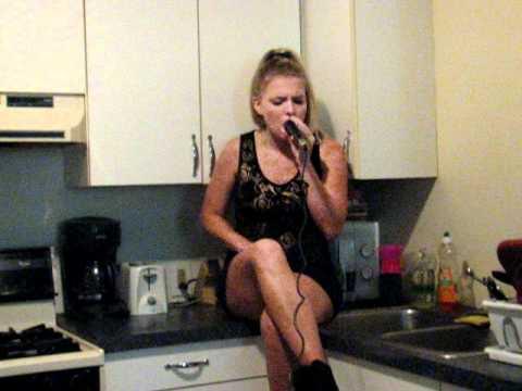 Paula Deanda OverLoved sang  Amber