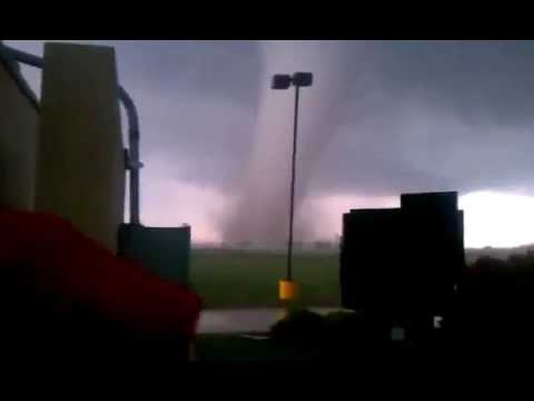 RAW FOOTAGE: Oklahoma Tornado.Monster Tornado Flattens Suburb of Oklahoma City