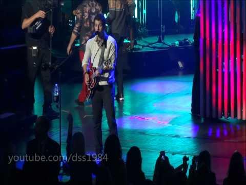 Jonas Brothers - Feel So Close + Feelin Alive Mashup (Live at Radio City)