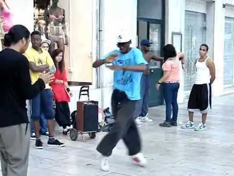 Best Krump Dance (Turfing) - Lisbon Portugal - Street Performers with REAL Talent