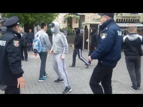 Нападение украинских националистов на первомайскую демонстрацию в Виннице