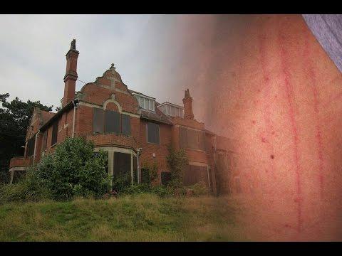 Exploring Haunted Mental Asylum (GHOST ATTACK!?)