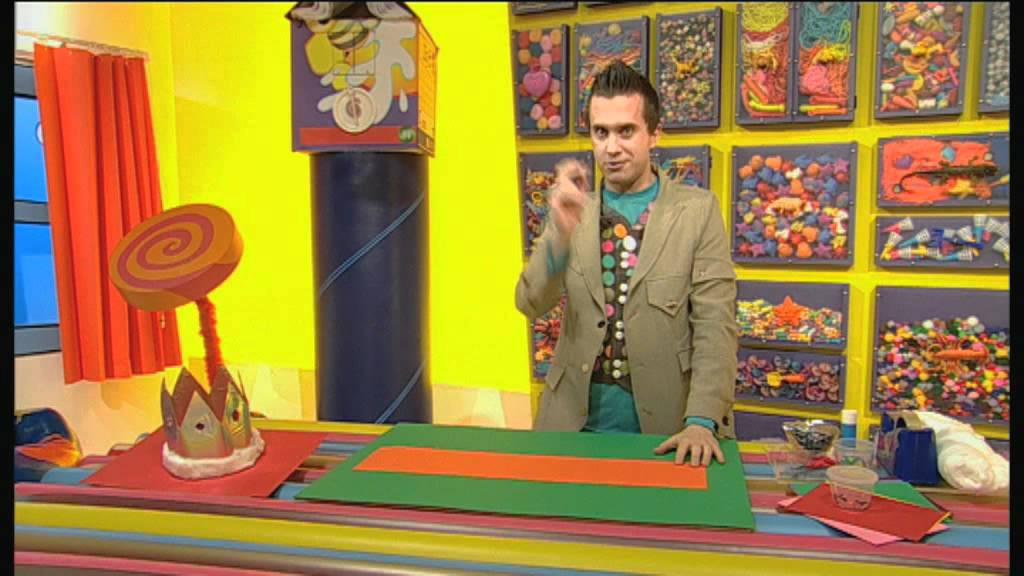 277846a2a01 Mister Maker: How to Make a Crown!