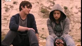 Angus Thongs and Perfect Snogging - Scene (Greek subs)