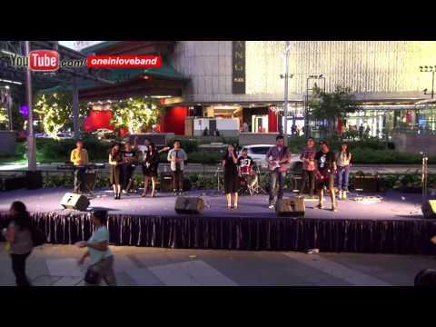 The First Noel - Malam Sunyi Senyap - One In Love Band ( CCIS 2015 )
