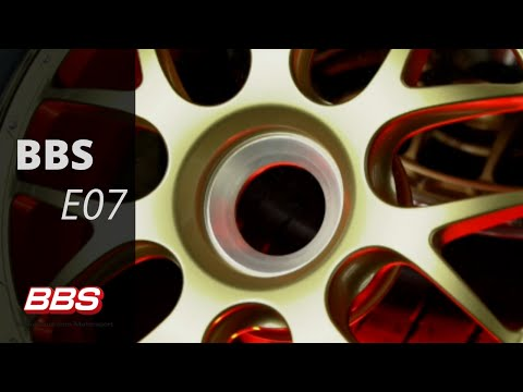 Get up close and personal with the  BBS Motorsport E07 aluminum wheel.  The center of this wheel draws on the success of the E88 10 spoke wheel center in an evolved, optimized 7-spoke pattern for Porsche center lock applications.  Proven in competition fo