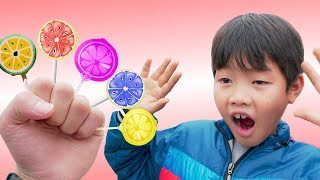 Kids Go to School Learn Colors with Lollipop! Colours for Kids to Learn Finger Family Songs