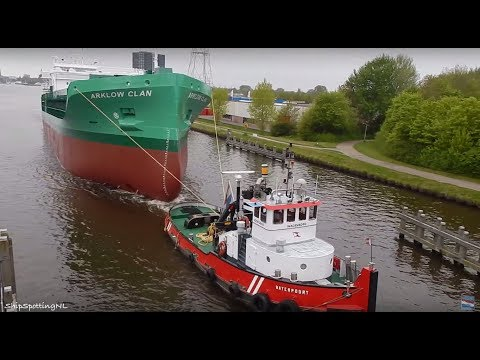 Transport of 'ARKLOW CLAN' while the birds 🐦 are singing - #560NL