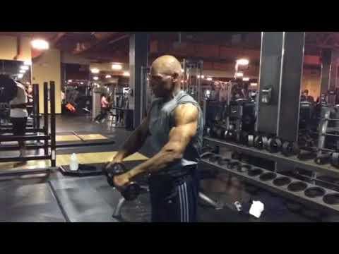 Isolating the anterior deltoid - YouTube