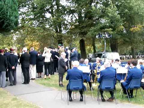 Newark-On-Trent  for Remembrance with Town Band Newark Cemetery