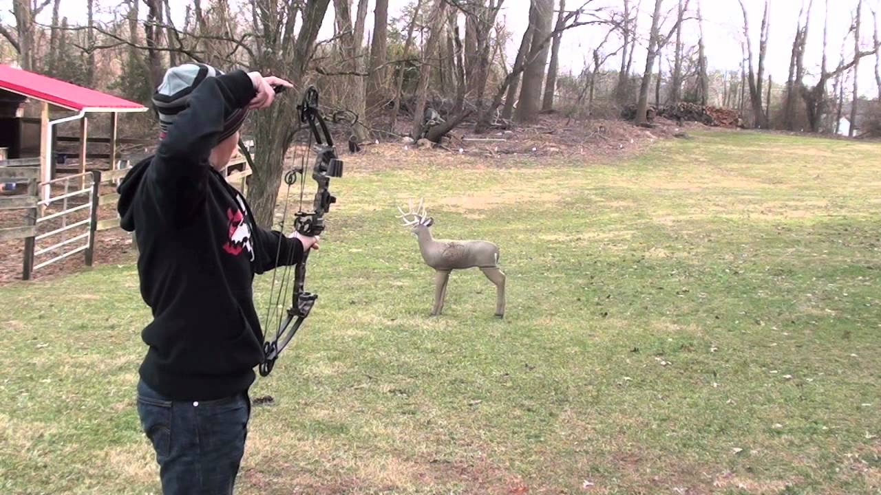 28a5801b4 Shooting Barnett vortex Jr compund bow - YouTube