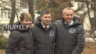 Russia: Expedition 58/59 crew bid farewell to families ahead of ISS mission