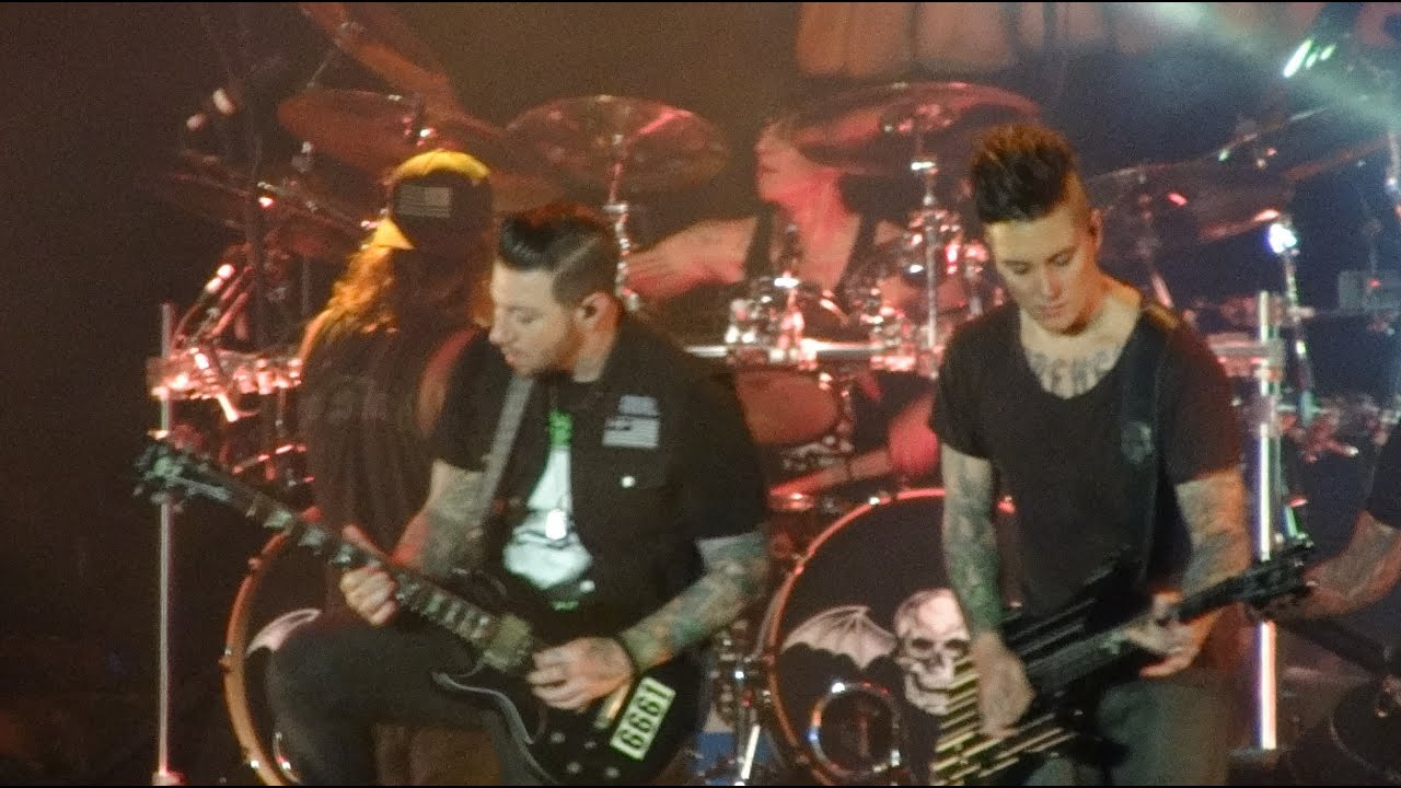 Avenged Sevenfold - Chapter Four (Live at Musikfest) - YouTube