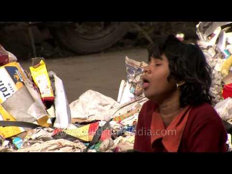 Life in trash : Delhi rag pickers