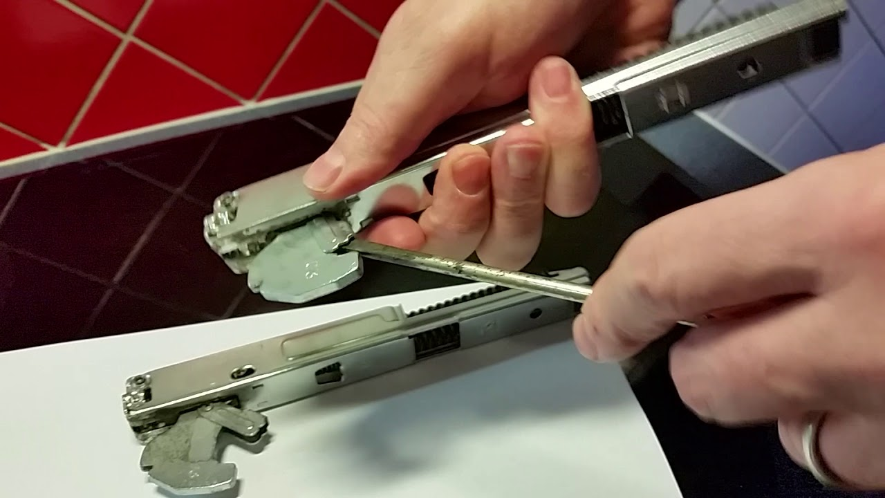 How To Open A Jammed Frozen Oven Door Hinge Electrolux