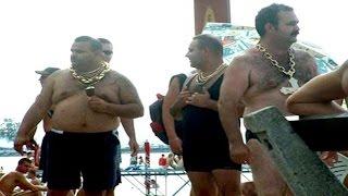В Турции ватные туристы снова устроили массовую драку(Подробнее:http://t.co/lwp194oCkI В турецком курортном городе Конаклы в одном из отелей произошла массовая драка межд..., 2014-08-05T05:30:13.000Z)