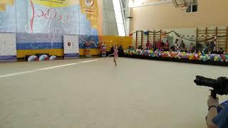 Смотреть видео Соревнования по художественной гимнастике Москва Пирует Упражнение с обручем онлайн