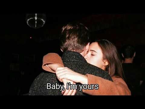 Emilee Flood - Baby I'm Yours *Lyrics* Cover(Arctic Monkeys)