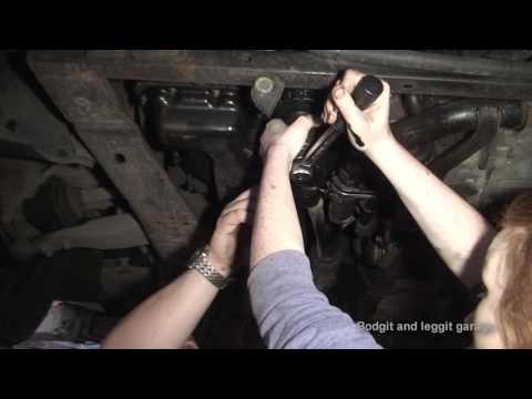 bodgit ans leggit garage girl power serviceing ford mondeo st diesel 2.2 2007