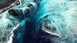 видео Подводный водопад