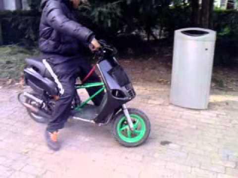 Verwonderlijk zip 70cc 15 jaar oud nieuwe krukas mhr!!!!! - YouTube TI-45