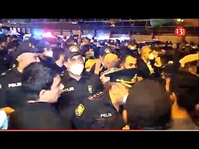 BAKIDA VƏZİYYƏT QARIŞDI:İnsanlar POLİS KORDONUNU BELƏ KEÇDİ - Kanal13