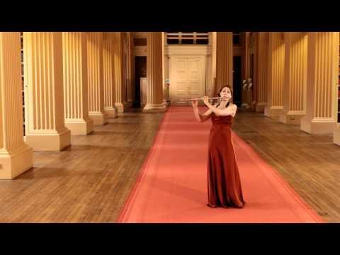 Katherine Bryan video - Liebermann Flute Concerto 2nd mvt.