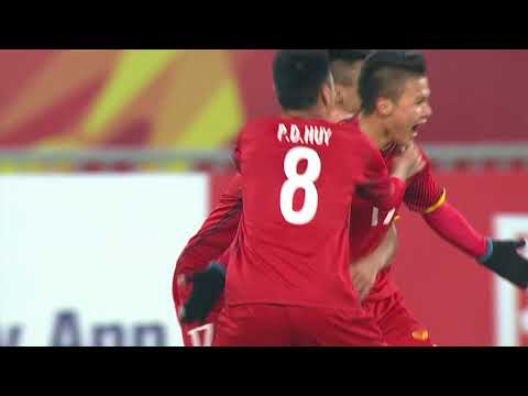 Nguyen Quang Hai fires Vietnam into the lead!