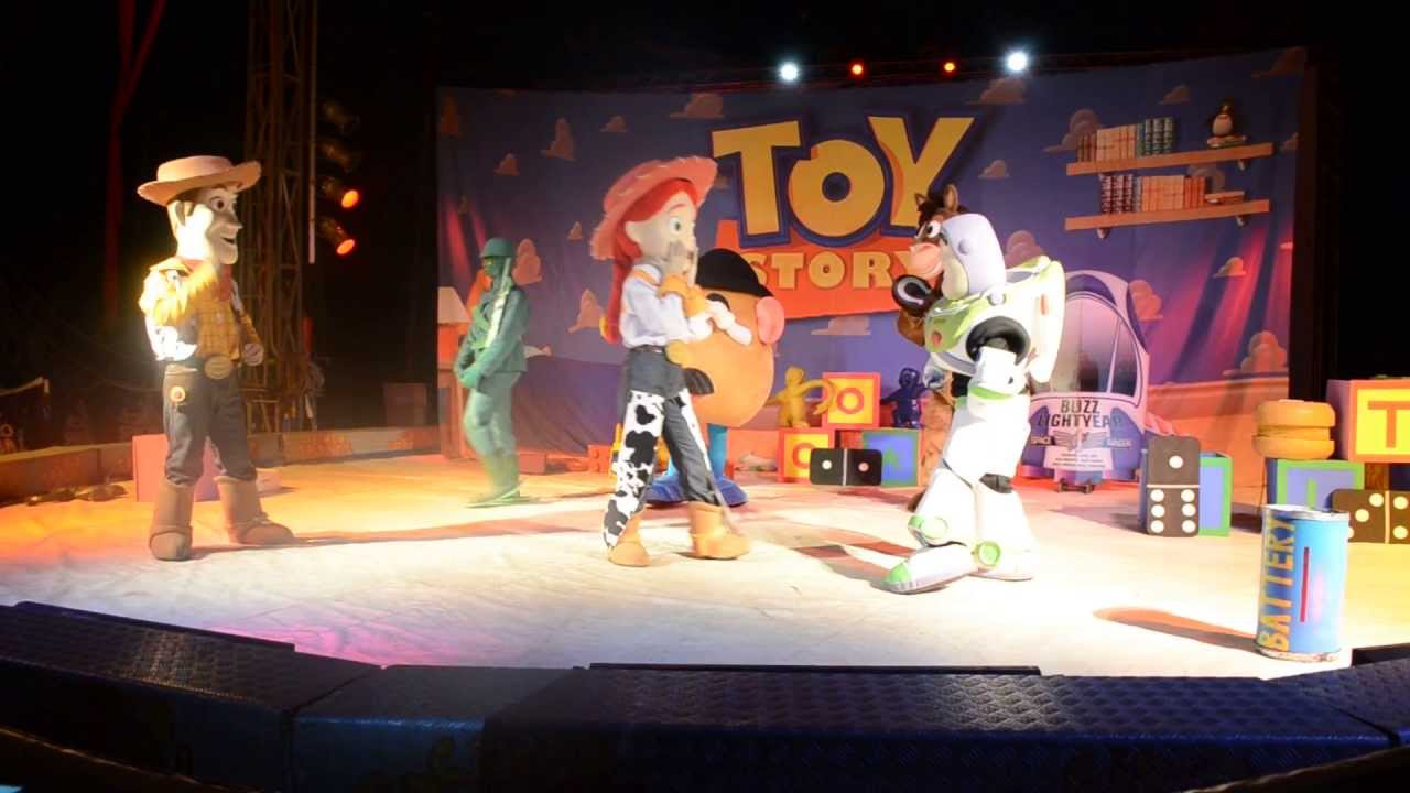 Circo spacial apresenta o show do toy story youtube - Cochon de toy story ...