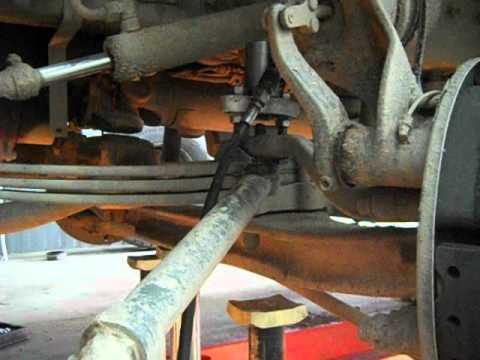 Cнятие рулевого наконечника на грузовике