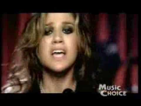 Kelly Clarkson Music Choice's Artist Of The Month Playlist!