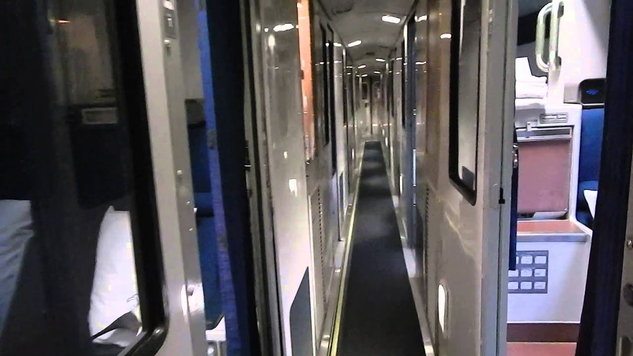 Tour of amtrak viewliner sleeping car with accessible bedroom bedroom and roommettes youtube for Amtrak superliner bedroom review