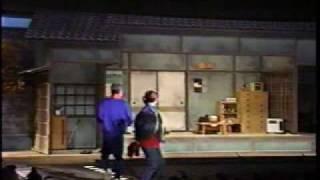 悦ちゃんの子役時代です。16歳 ミヤコ蝶々さんの芝居「俄雪」の刑事の...