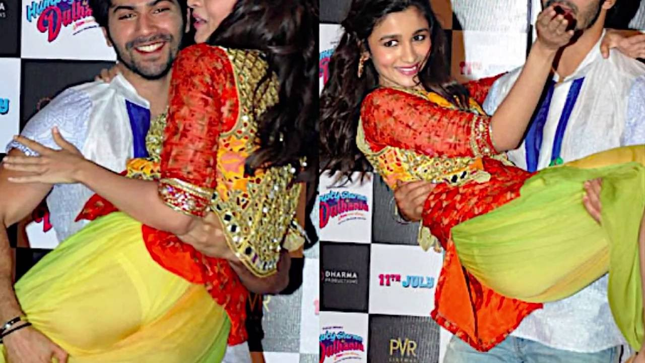Download Top Bollywood Actresses - Most Shocking 'Oops Moments'