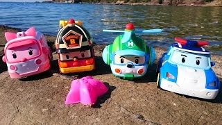 Робокар Поли - игрушечные машинки на пляже - видео для детей(Мы недавно смотрели мультфильм Робокар Поли сезон 2 серия 23 Жара в городе Брумс. И хотя сейчас зима, с удовол..., 2014-12-24T11:27:12.000Z)