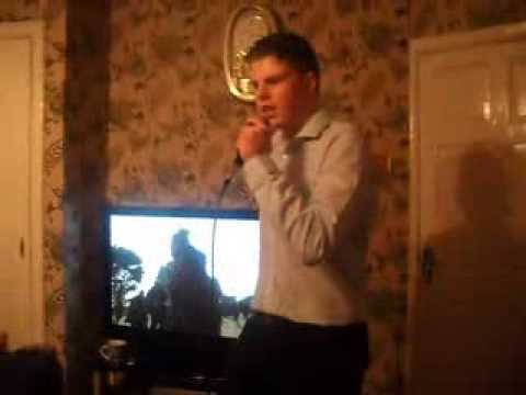 GYPSY TRAVELLER SINGING - FRANKIE SMITH - BLUE MOON - LIVE
