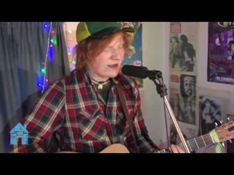 ED SHEERAN 'The City' - Between You and Me Music