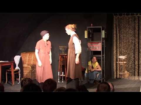 Divadlo Ungelt: Růžové brýle