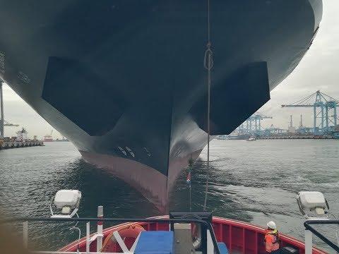 SMIT towage - Kotug & NAVIEIRA JALISIA, port of ROTTERDAM. Tug ASD bow to bow.