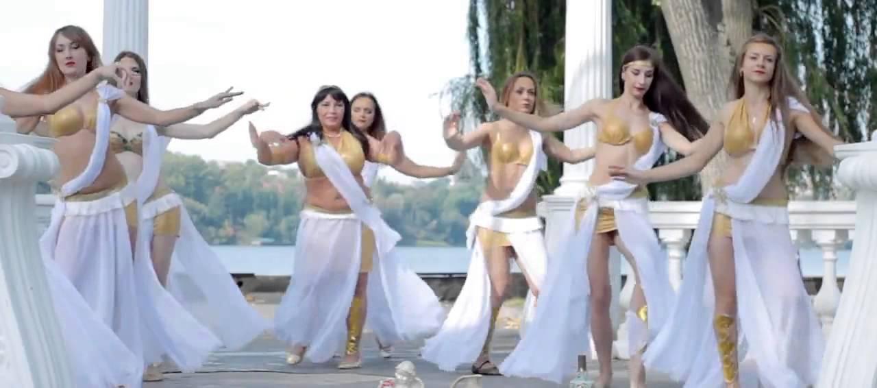Танци женщин в легенсохъ