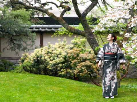 Yoko_Cherry Blossoms in Nitobe Memorial Garden 2010.mov - YouTube