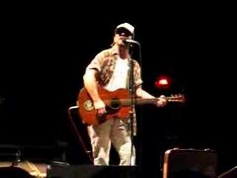 Pearl Jam Live 6/11/08 Eddie Vedder Rains on Me