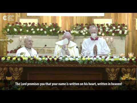 Pope celebrates liturgy with Iraqi Christians