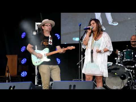 Crystal Shawanda at the Kitchener Blues Fest 2017 (Skin Deep by Buddy Guy)